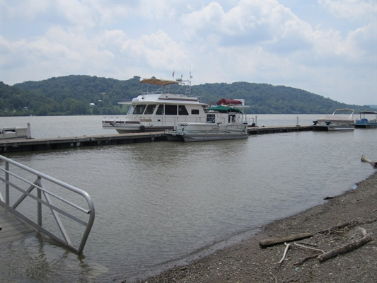 CITY BOAT DOCKS NOT AVAILABLE FOR USE PUBLIC DURING REGATTA
