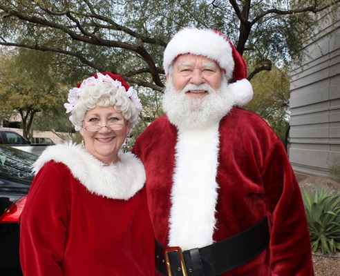 Santa & Mrs. Claus Arrive – Wednesday, Dec. 2nd