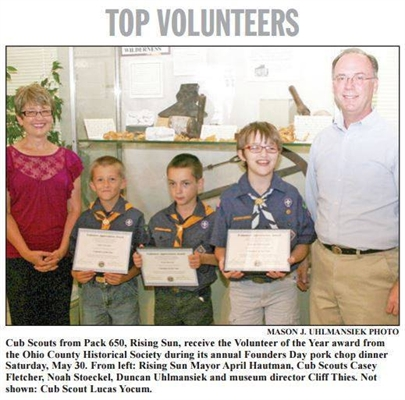 MAYOR APRIL HAUTMAN HONORS CUB SCOUTS AS VOLUNTEERS OF THE YEAR